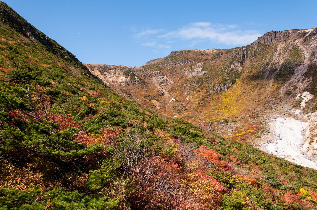 安達太良山 ~どピーカンな空に映える紅葉~